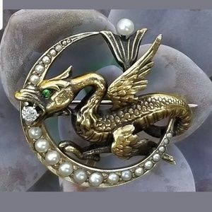 Jewelry - 14k Gold Art Nouveau Griffin Crescent Moon Brooch